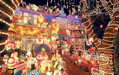 Christmas Lights Gone Wrong - Laughing at Everyday Life